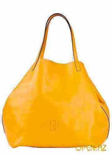 Яркая весенне-летняя коллекция сумок от Carolina Herrera.